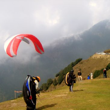 Paragliding IN Himachal Pradesh India